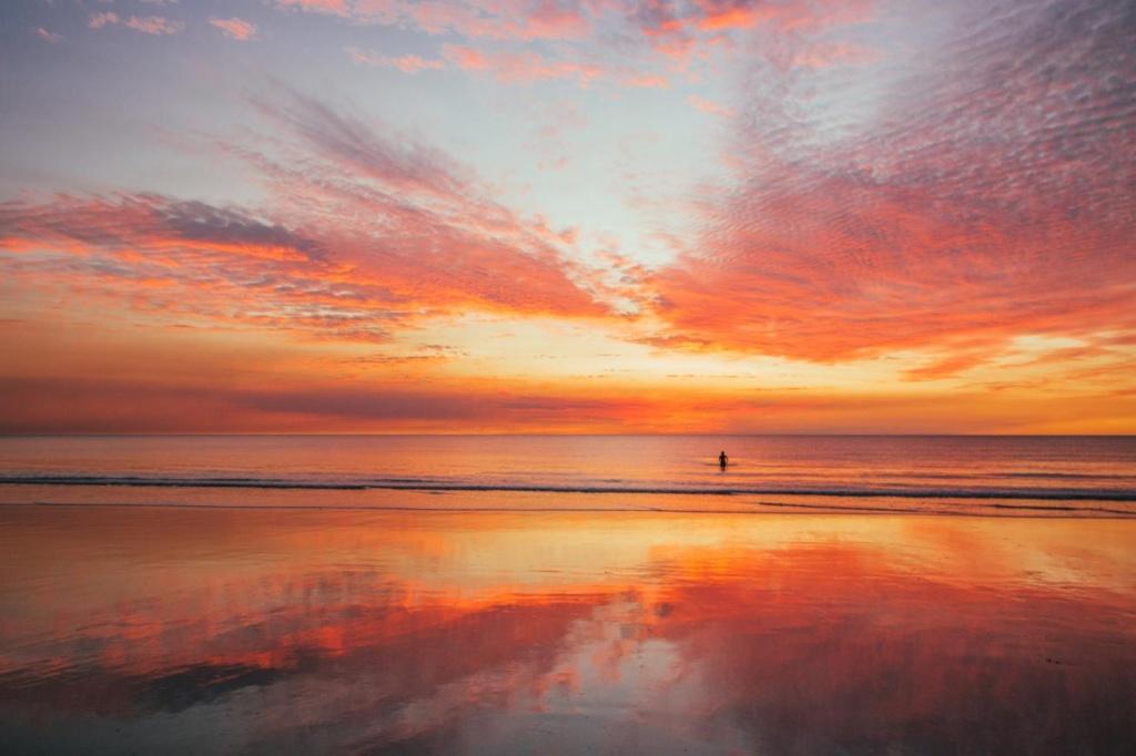 Coucher de soleil paradisiaque sur Cable Beach