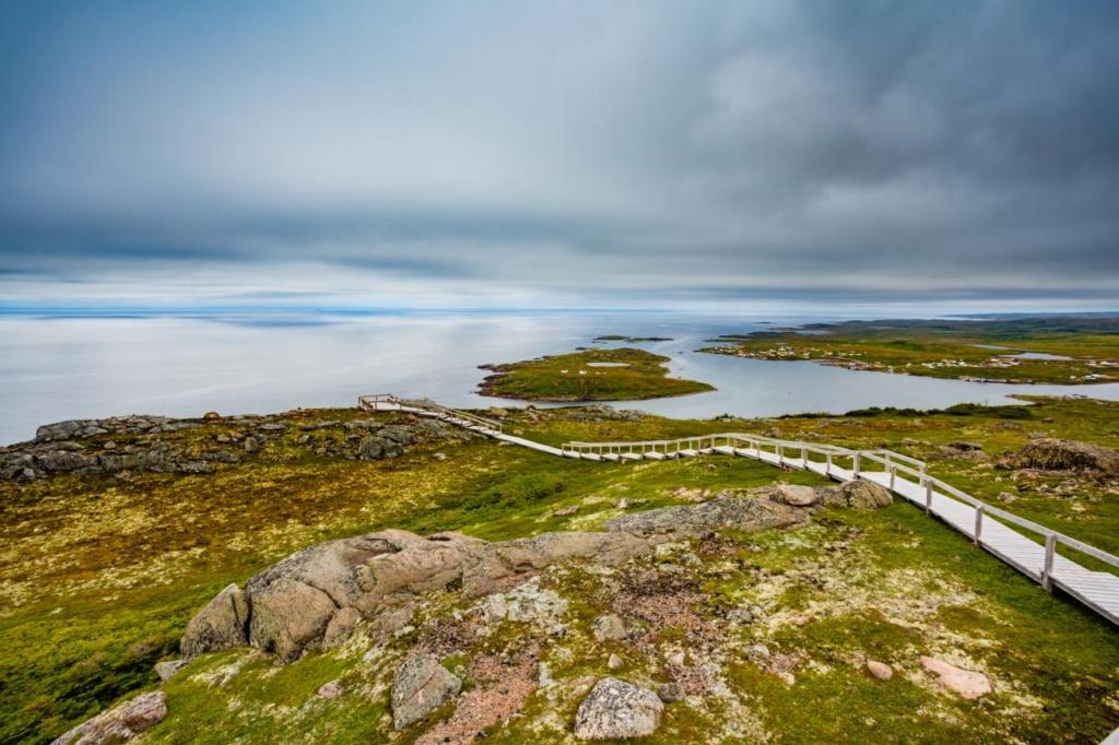 Paysage côtier de Red Bay avec son escalier Labrador Canada