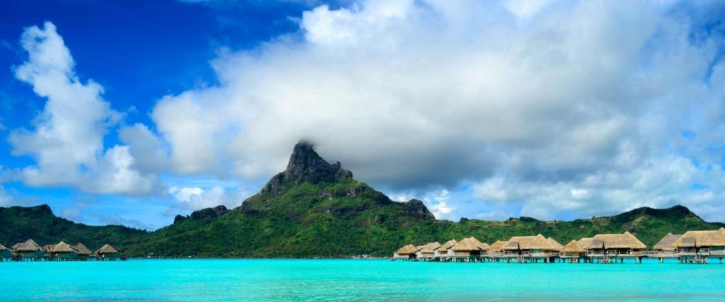 Bora Bora panorama de la station balnéaire