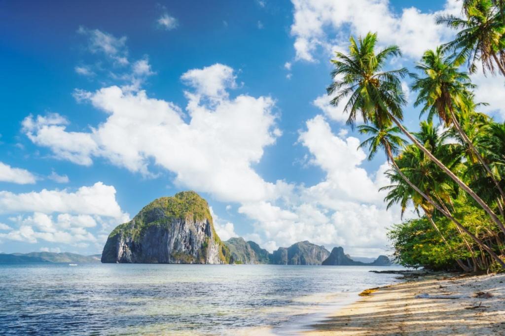 plage Las Cabanas à El Nido, île de Palawan, Philippines