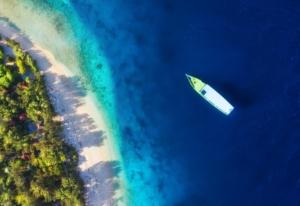 Plage et bateaux aux Îles de Gili Meno, Indonésie