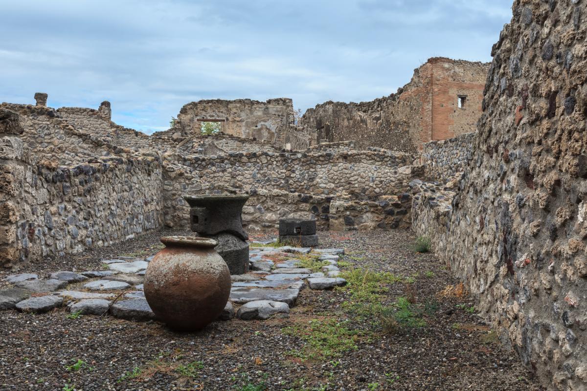 Ruines de Pompéi, détruites et enterrées lors de l'éruption du Vésuve en 79 après JC
